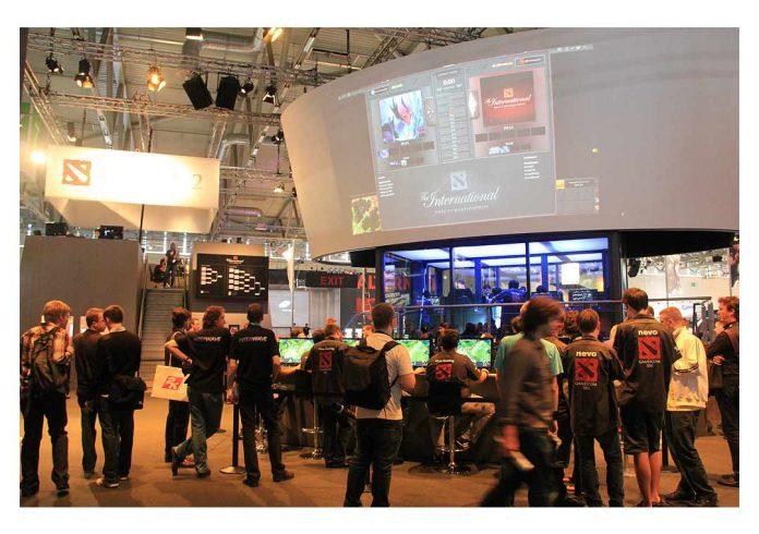 Pro Gamers Defeat OpenAI Bots
