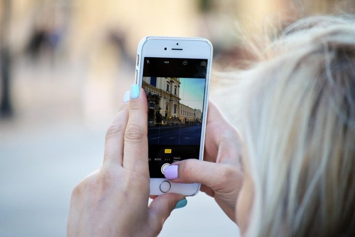 Instagram Direct Add Swipe to Add People in Live Video Chat
